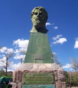 MONUMENTO A MANUEL ARIAS EN HUMAHUACA