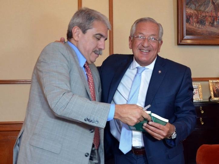 .Fellner con Aníbal Fernández (foto de archivo)