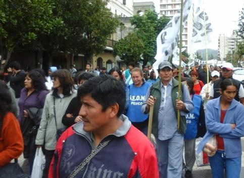 frente marcha 16