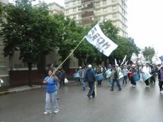 frente marcha 25