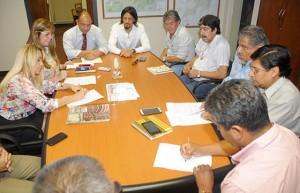 Reunión de gremios docentes salteños con funcionarios