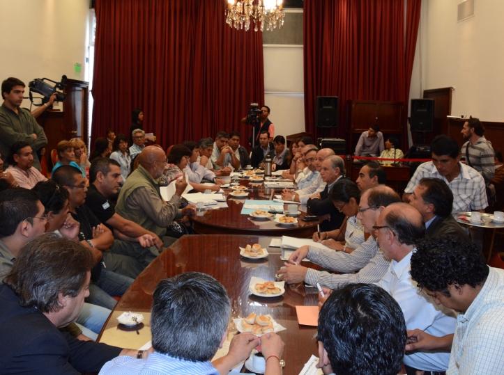 El Frente Estatal, reunido con los diputados