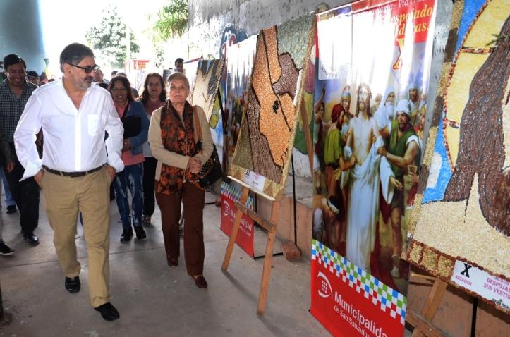 El intendente recorre la zona del mural y la exposición de ermitas