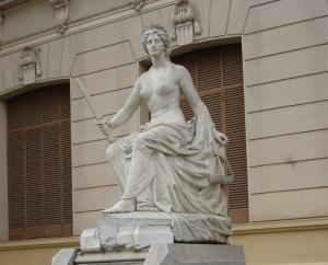 """""""La Justicia"""" de Lola Mora (Casa de Gobierno de Jujuy)"""