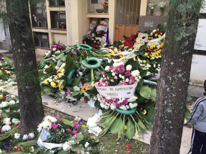 coronas rotas cementerio el rosario tumba padre miladro sala 2
