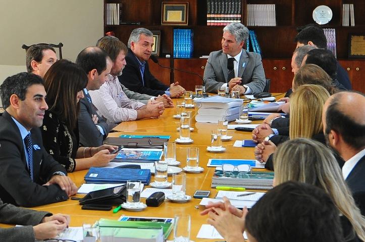 Equipos de trabajo de Gerardo Morales con los del gobernador Poggi