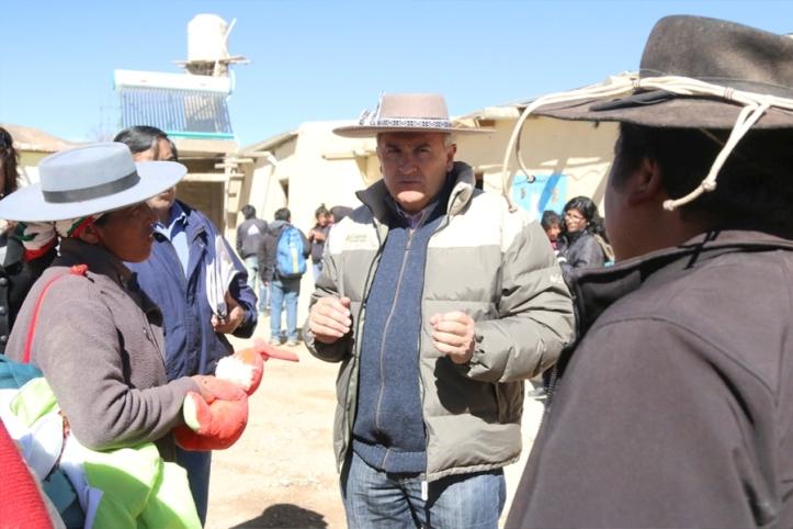 Morales dialoga con la gente