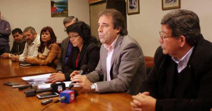 Bernis encabezó la conferencia de prensa