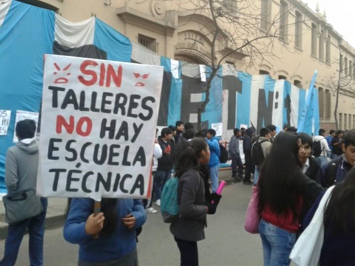 La protesta de los chicos. (Crédito foto: Nuevo Jujuy)