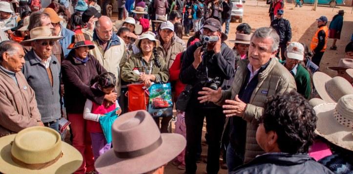 Morales con los productores de llamas
