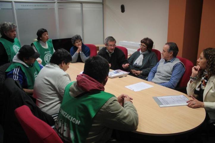 Reunión de gremialistas con funcionarios del ISJ