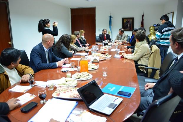 Chuli Jorge con funcionarios de la Municipalidad de Salta