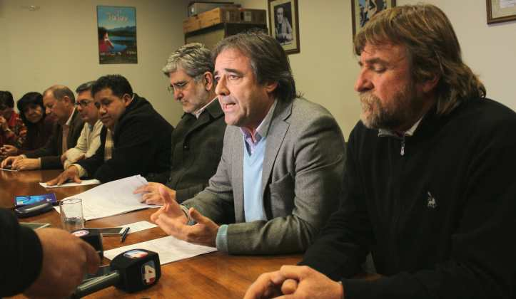 Los diputados radicales, en conferencia de prensa