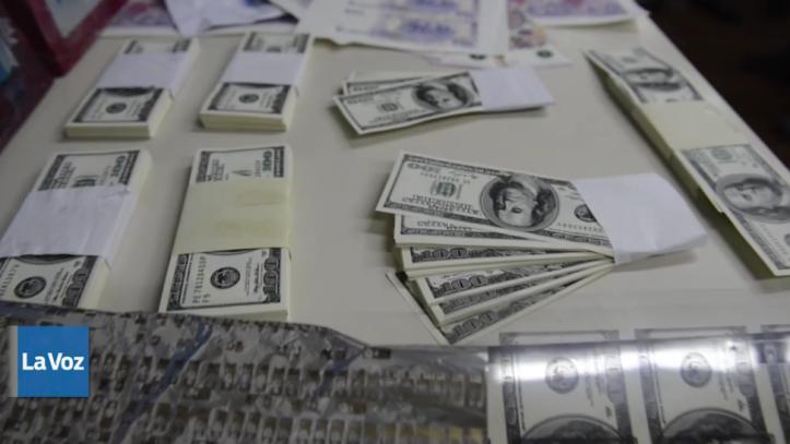 Los dólares falsificados (La Voz del Interior)