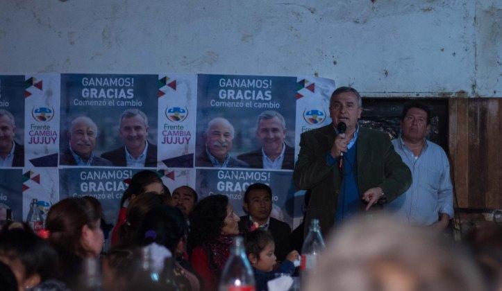 Gerardo Morales, con la gente de Santa Clara