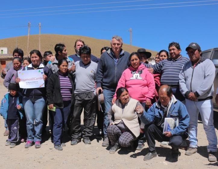 Morales con los pobladores de Liviara