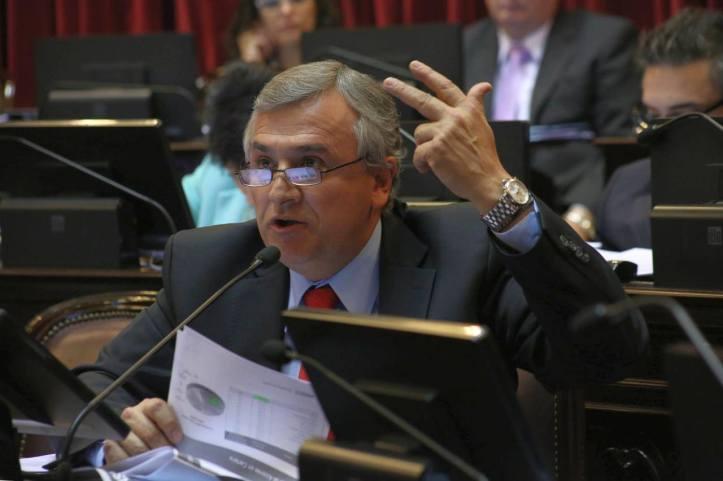 Gerardo Morales, en la sesión del senado