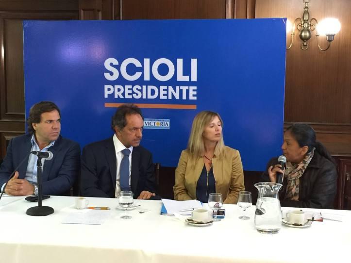Milagro Sala con Scioli hablan del futuro país que quieren para los argentinos.