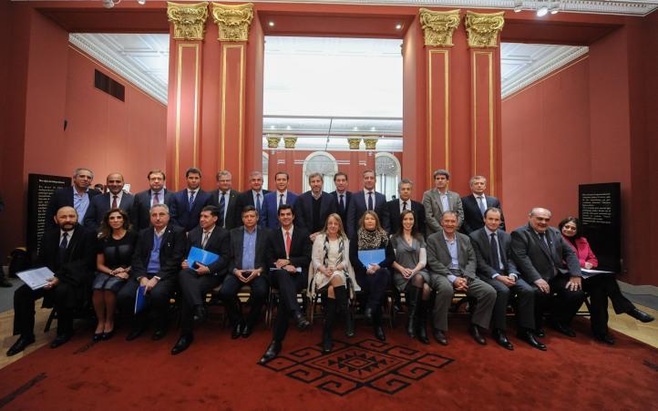 Morales con los gobernadores y funcionarios nacionales
