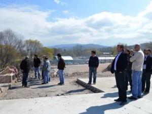 El ministro Rizzotti, junto al empresario Ulloa, funcionarios y técnicos